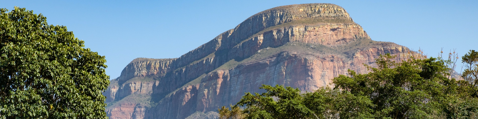 Africa Travel Guide Panorama Route South Africa Drakensberg Mountain Range Backdrop