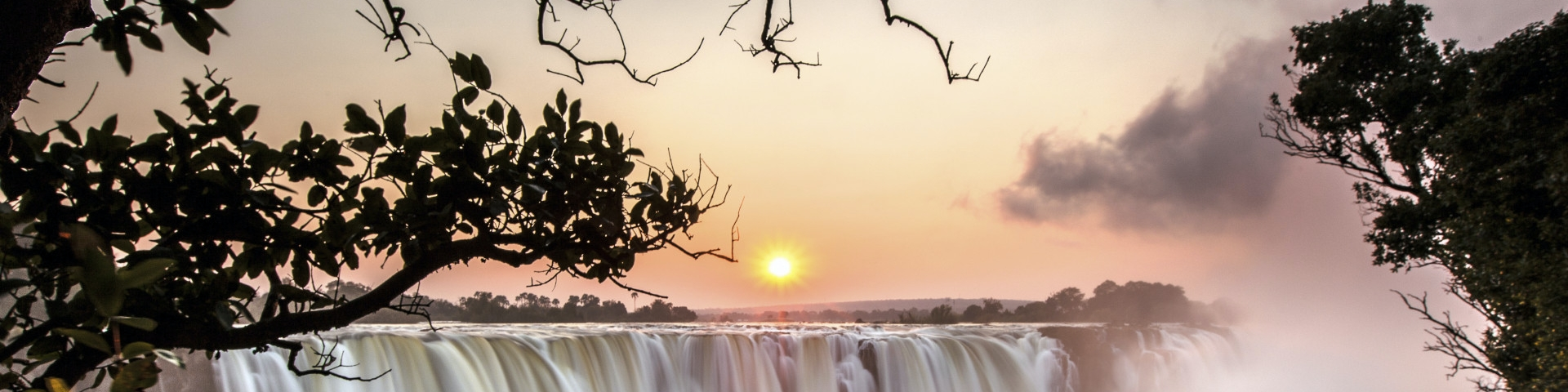 Banner Africa Travel Guide Victoria Falls - Zimbabwe